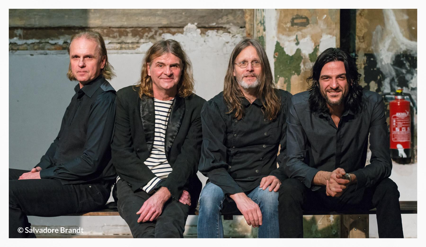 Wenzel und Band, Das Foto ist von Salvadore Brandt